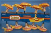 YELLOW SUBMARINES LIGHT SET