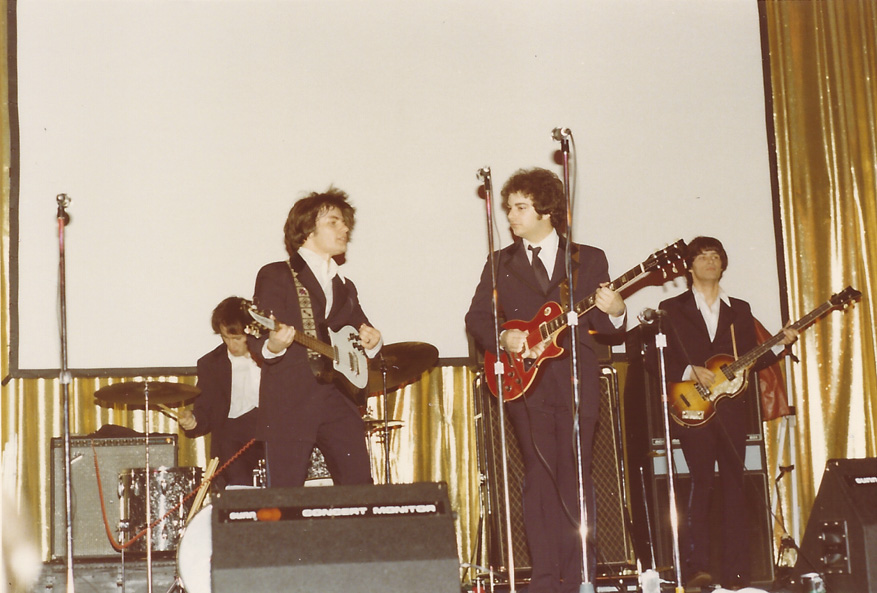 Abbey Rhode, one of the first bands to grace the FEST stage, wows the audience – N.Y. `77