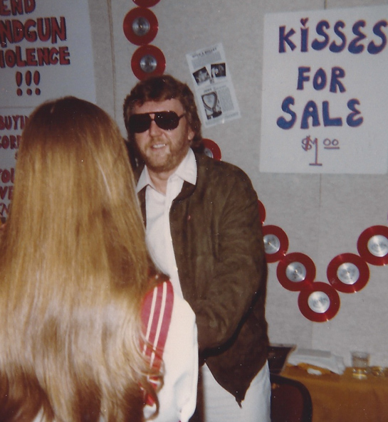 Harry Nilsson has kisses for sale –L.A. `82
