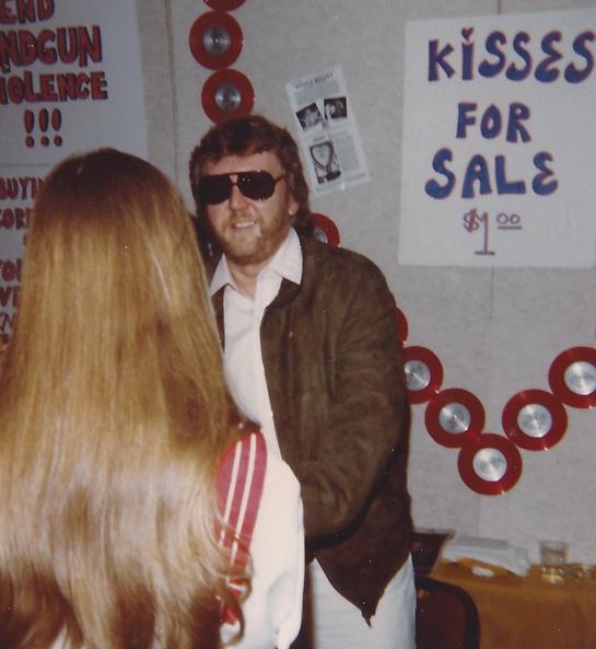 Harry Nilsson has kisses for sale –L.A. `82