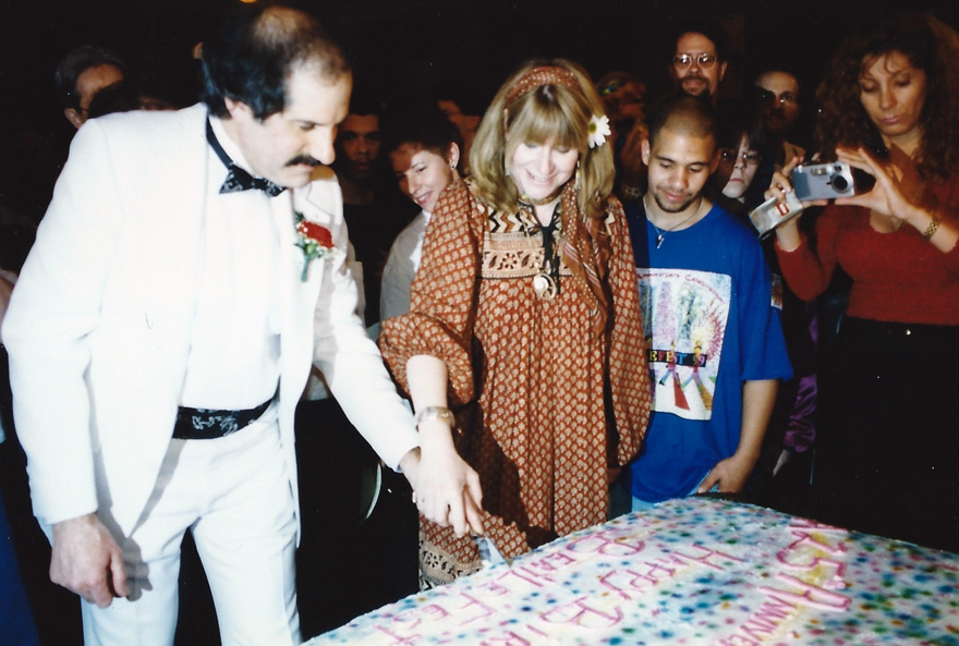 Mark and Carol Lapidos cut the cake during the 25th anniversary of the FEST – N.J. `99
