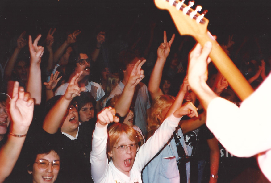 The crowd digging Liverpool – their concerts are always a splendid time – Chicago `86