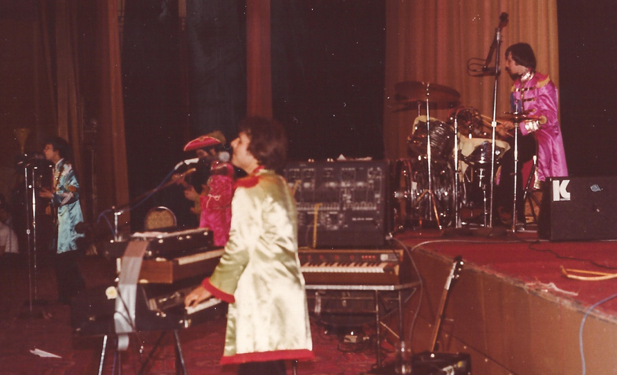 12 years after the album came out, Liverpool went with a Sgt. Pepper�s vibe on stage - N.Y. `79
