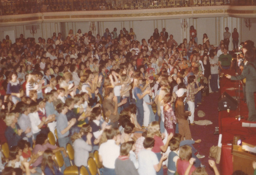 It's standing room only in the ballroom at one of the first FESTS – Chicago `77