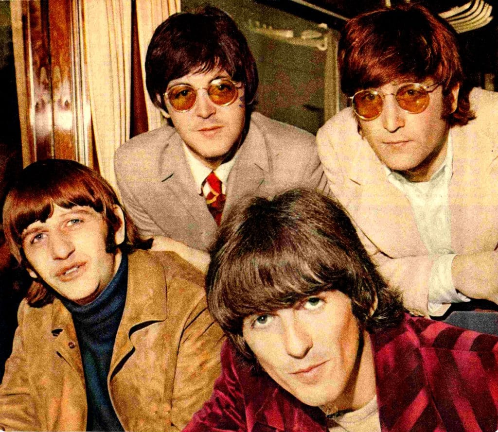 """the theme of loneliness in the beatles eleanor rigby """"eleanor rigby"""" which is a standard pop theme senza categoria beatles, eleanor rigby, liverpool, loneliness, music."""